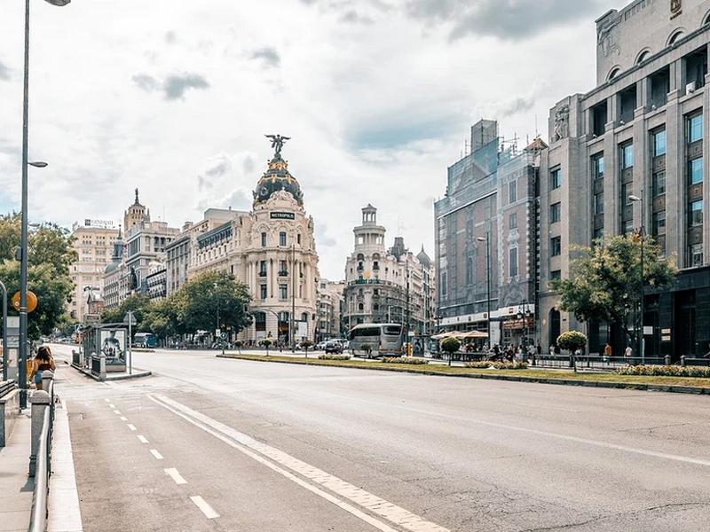 Madrid cierra bares y discotecas por el coronavirus