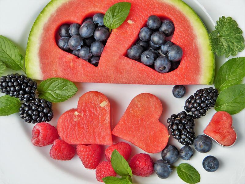 ¿Es bueno cenar fruta para adelgazar?