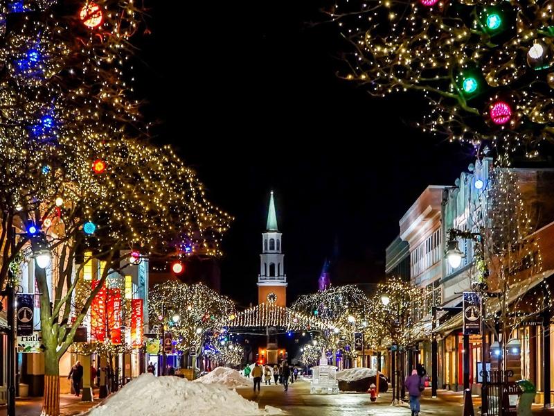 El Gobierno pone el toque de queda a la 1 en Navidad