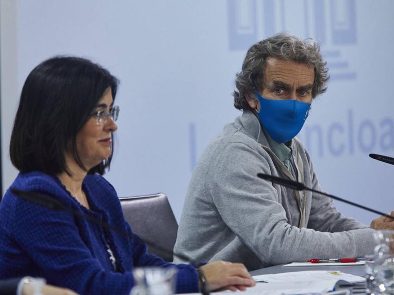¿Cuál es el sueldo de Fernando Simón y Carolina Darias?