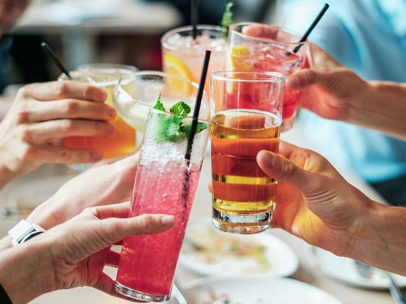 Cinco bebidas de alcohol semanales aumentan la infertilidad