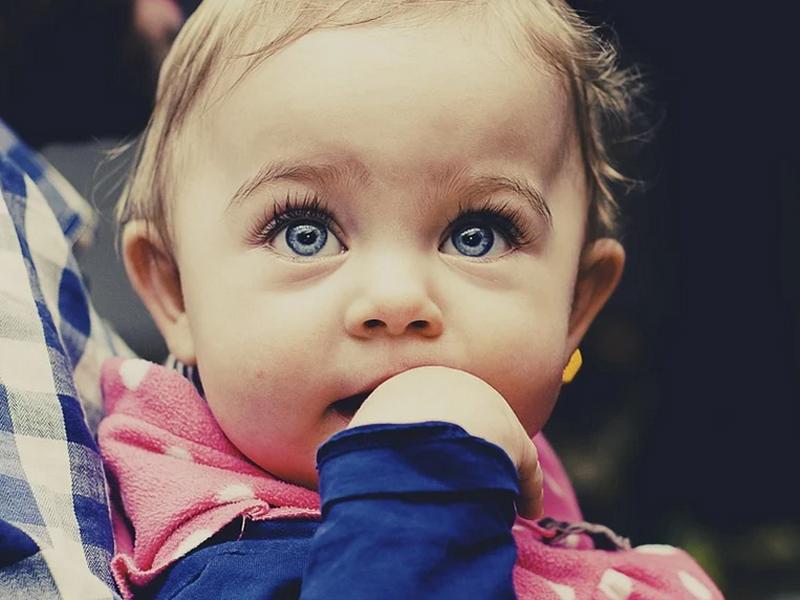 ¿Sabes cómo quitar los mocos a un bebé?