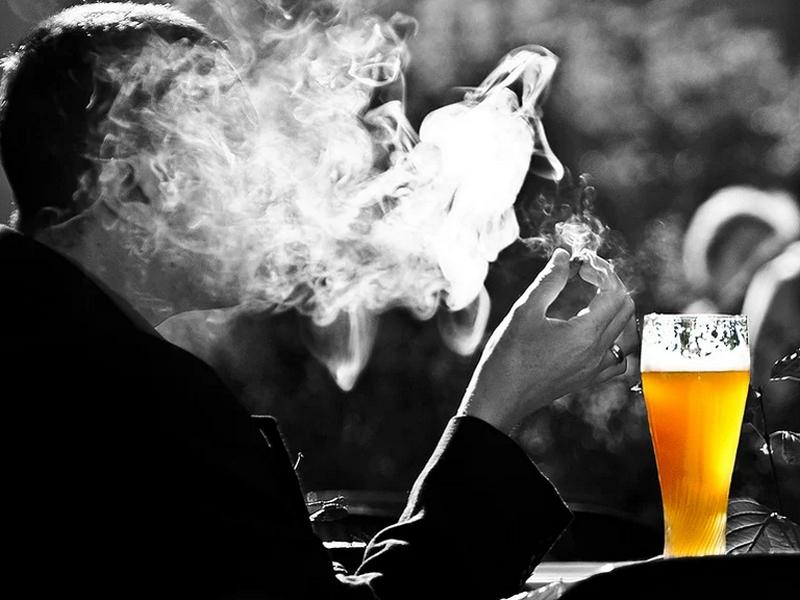 Estudian prohibir más el tabaco