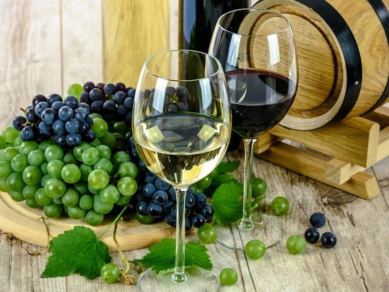 ¿Afecta el alcohol a las vacunas de coronavirus?