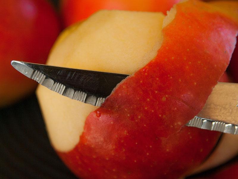 ¿Es bueno comerse la piel de la fruta?
